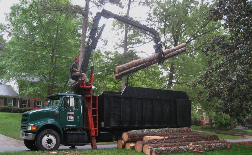 Land Clearing Experts in Dunwoody Have The Right Equipment For Your Development